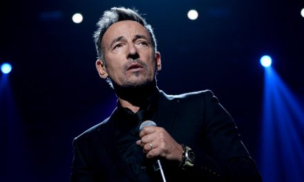 Bruce Springsteen Abandons Script to Address Border Crisis